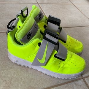 Nike EXCLUSIVE AirForce 1 Utility 'Volt' Size 10